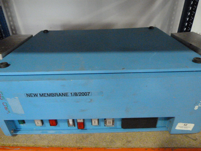 Lot 52 - *GAMBRO WRO 95 Reverse Osmosis System Water Purification unit- powers up
