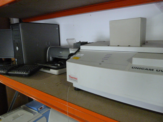 Lot 7 - *Thermo Electron Unicam UV-500 UV Visible Electrophotometer Complete with PC, Operating Software, Pr
