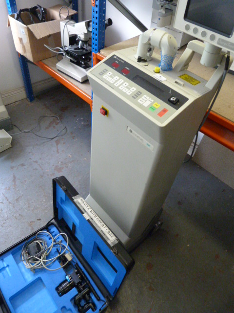 Lot 41 - *Lumenis 40C CO2 Laser System with Key, Foot Pedal, Lumenis Surgitouch and Sharplan Acuspot 712 Lase
