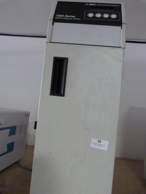 Lot 58 - *Jones Chromatography 7900-1 Column Oven (Powers Up and Heats up)