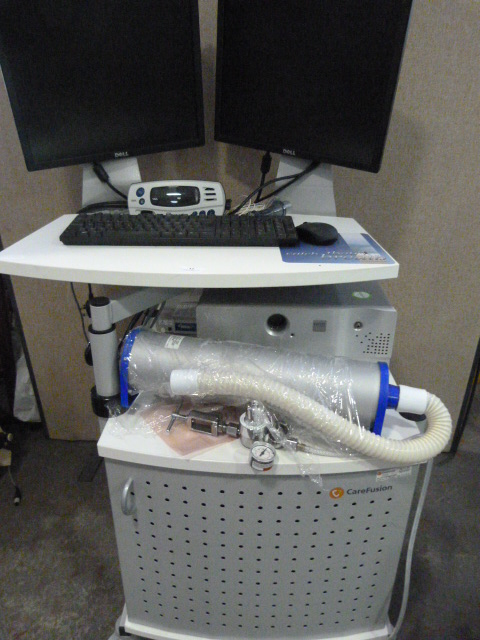 Lot 12 - *Viasys Vmax Encore System on Carefusion Work Station with Dell Monitor and Flat Screen, Nonin 7500