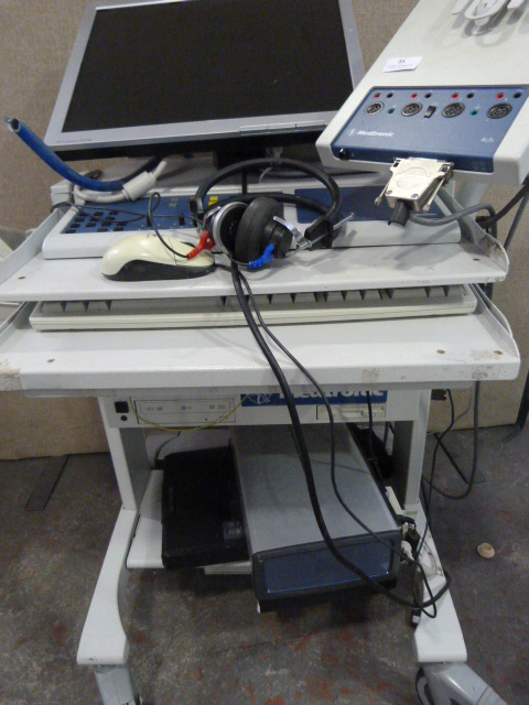 Lot 35 - *Medtronic Keypoint EM (Powers Up)