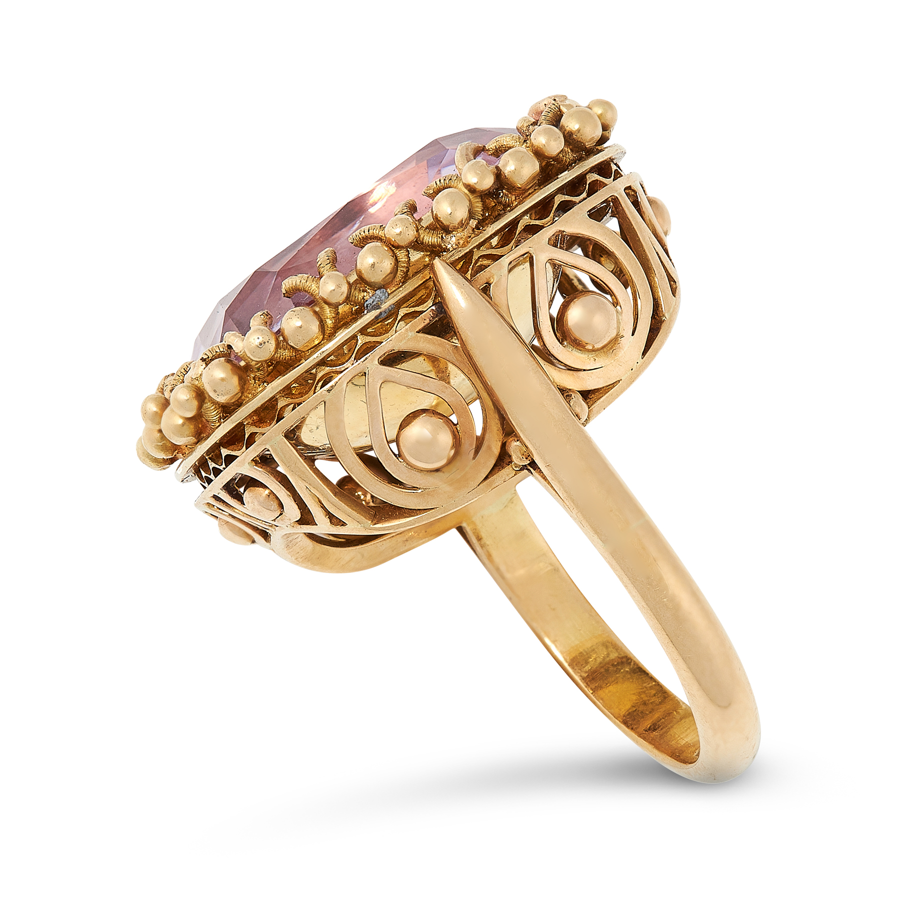 AN ANTIQUE PINK TOPAZ RING in 18ct yellow gold, set with a cushion cut pink topaz of 20.25 carats - Image 2 of 2