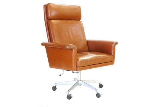 A 1970u0027s Tan Leather Highbacked Swivel Office Chair On An Aluminium Five  Star Base By Kado CONDIT