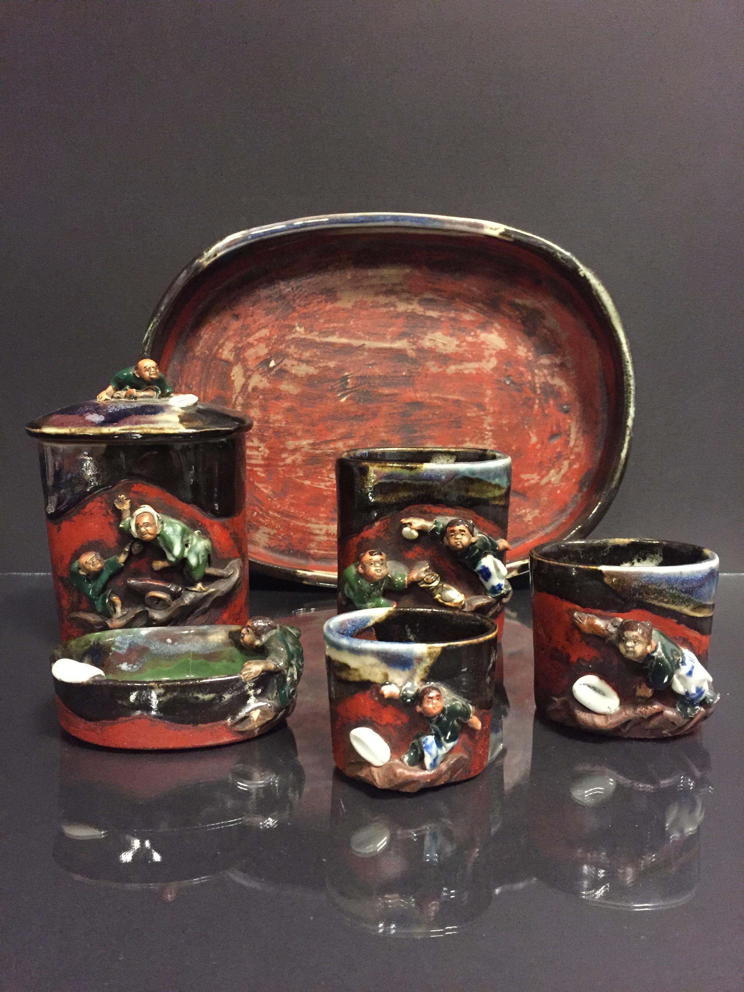 JAPON. Nécessaire de fumeur comprenant 7 pièces, porcelaine émaillée à décor en [...]