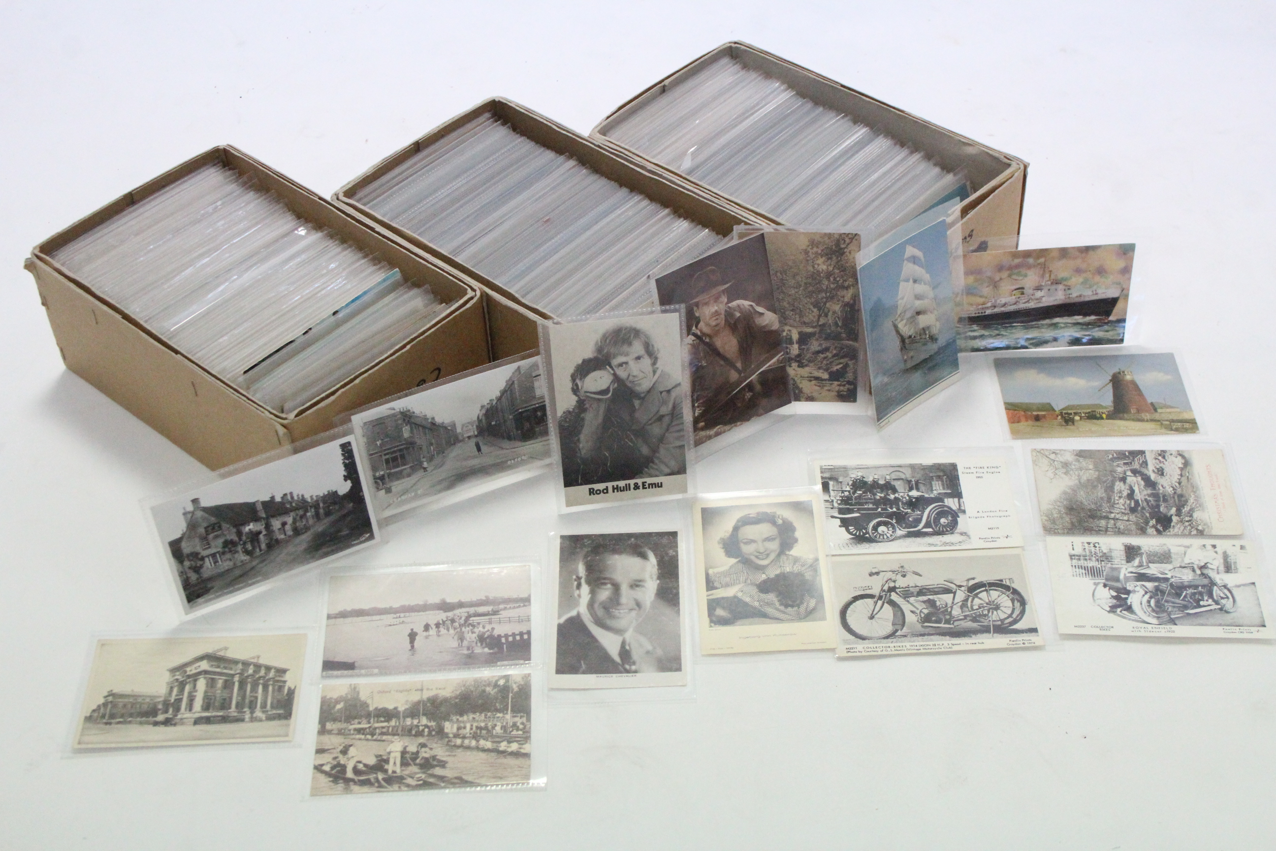 Lot 122 - A collection of approximately five hundred loose postcards, early-mid 20th century – British &