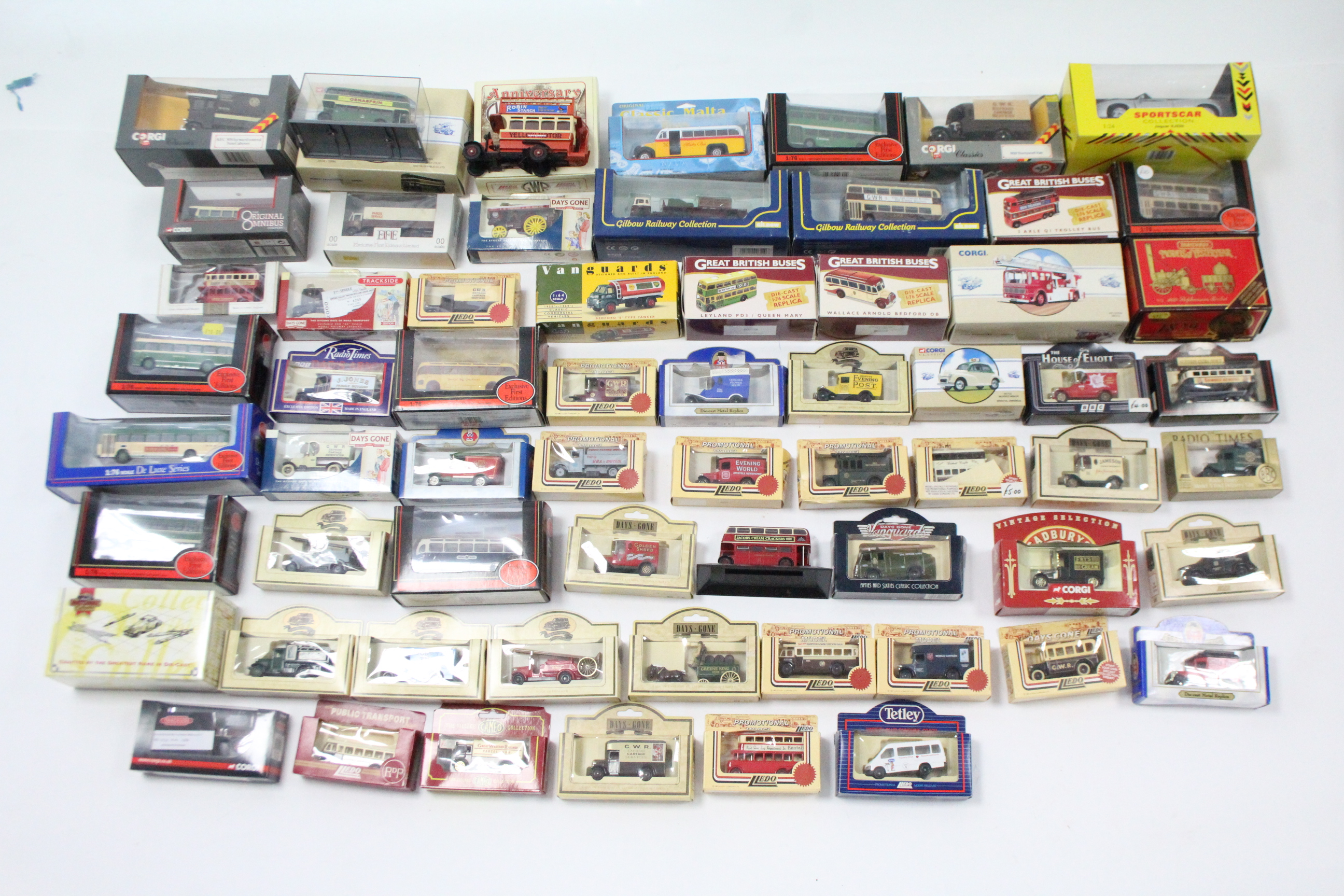 Lot 250 - Approximately fifty various scale models by Corgi, Vanguards, Lledo, & others, boxed & un-boxed.