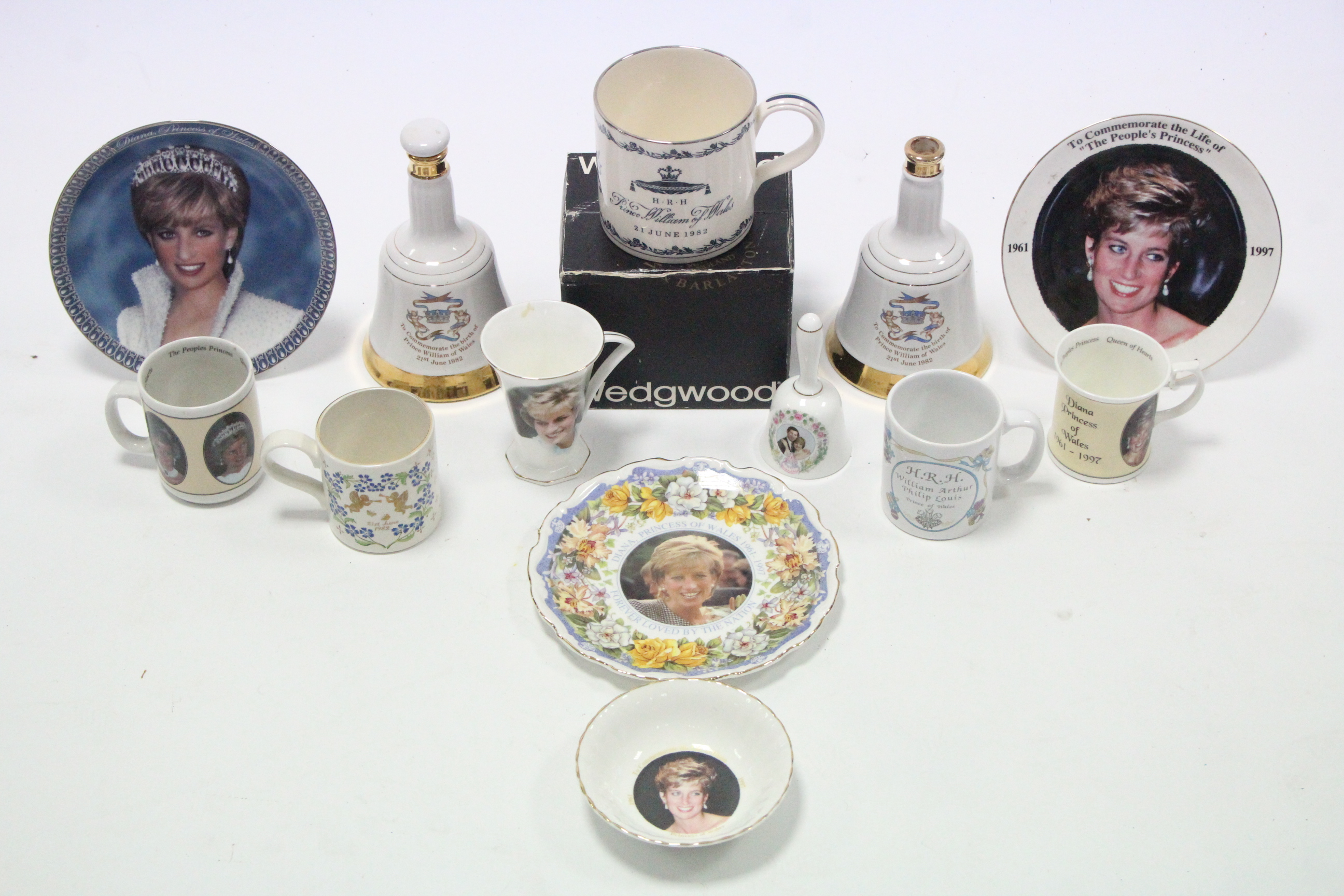 Lot 32 - Various commemorative items commemorating the birth of Prince William in 1982, & the death of