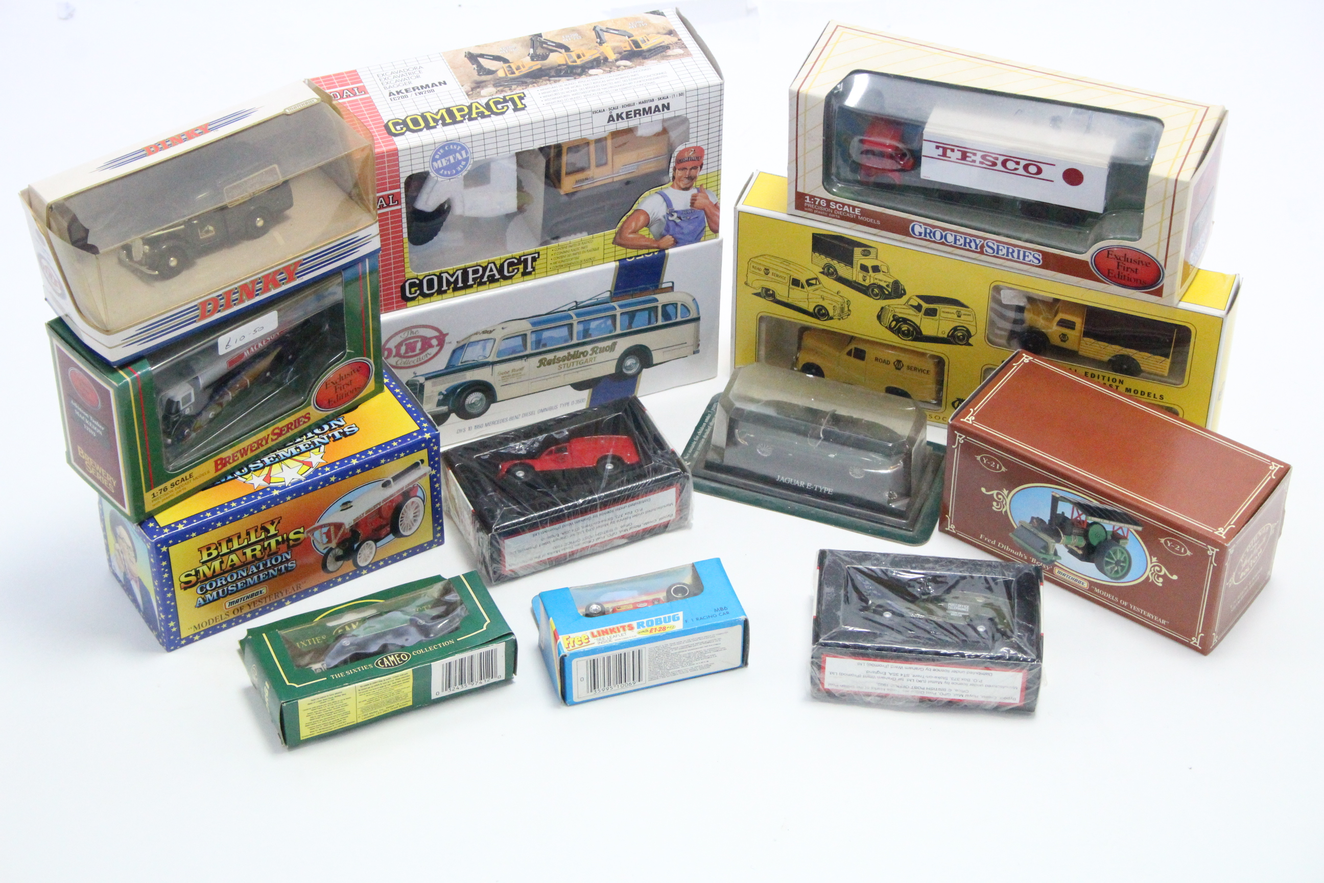 "Lot 240 - Two Matchbox Dinky collection models ""1950 Mercedes-Benz Diesel Omnibus Type 0-3500"" & ""1948"