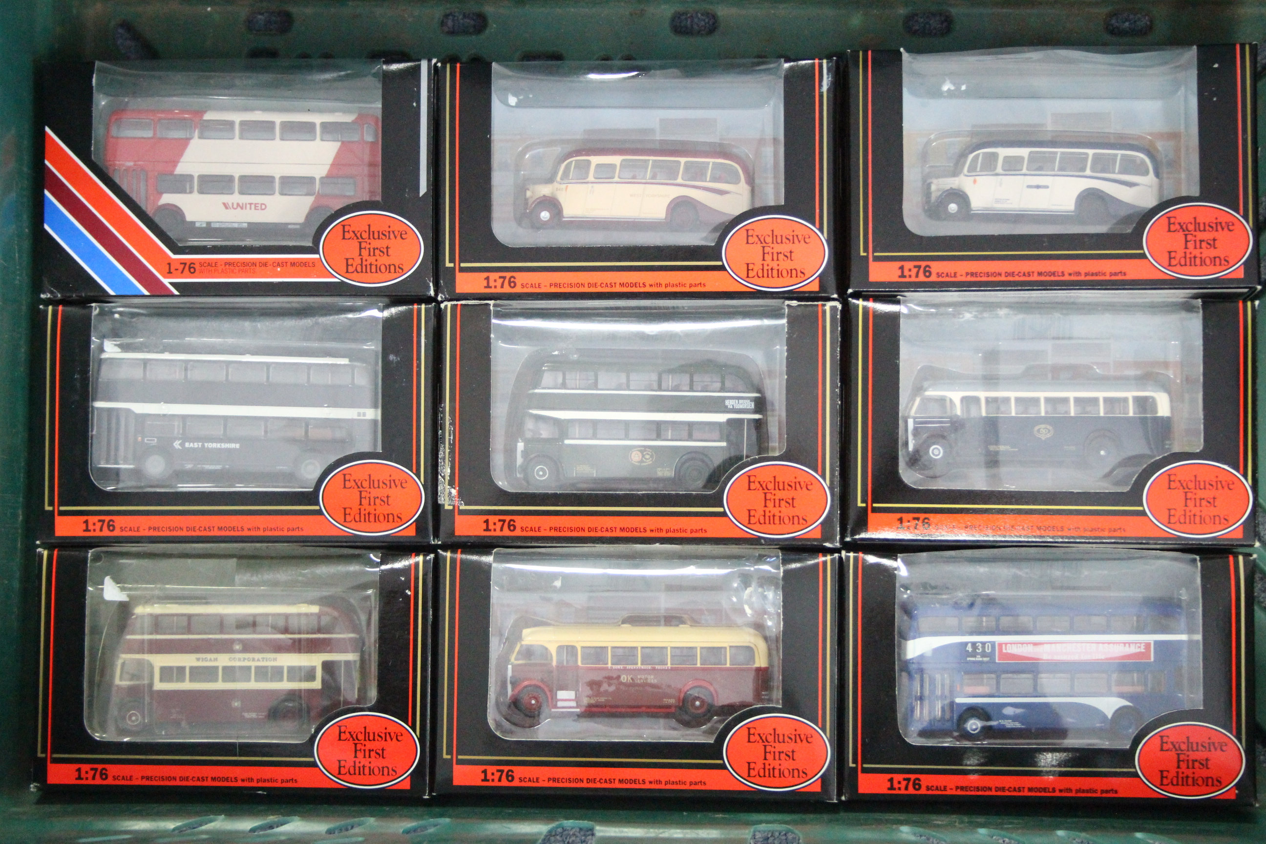 Lot 253 - Sixteen Gilbow Exclusive First Edition scale model 'buses, each with window box.