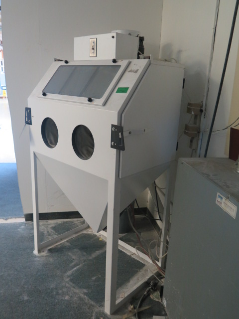 Lot 127 - USF Vacu-Blast mdl. ACU-3624 Dry Blast Cabinet s/n 00011