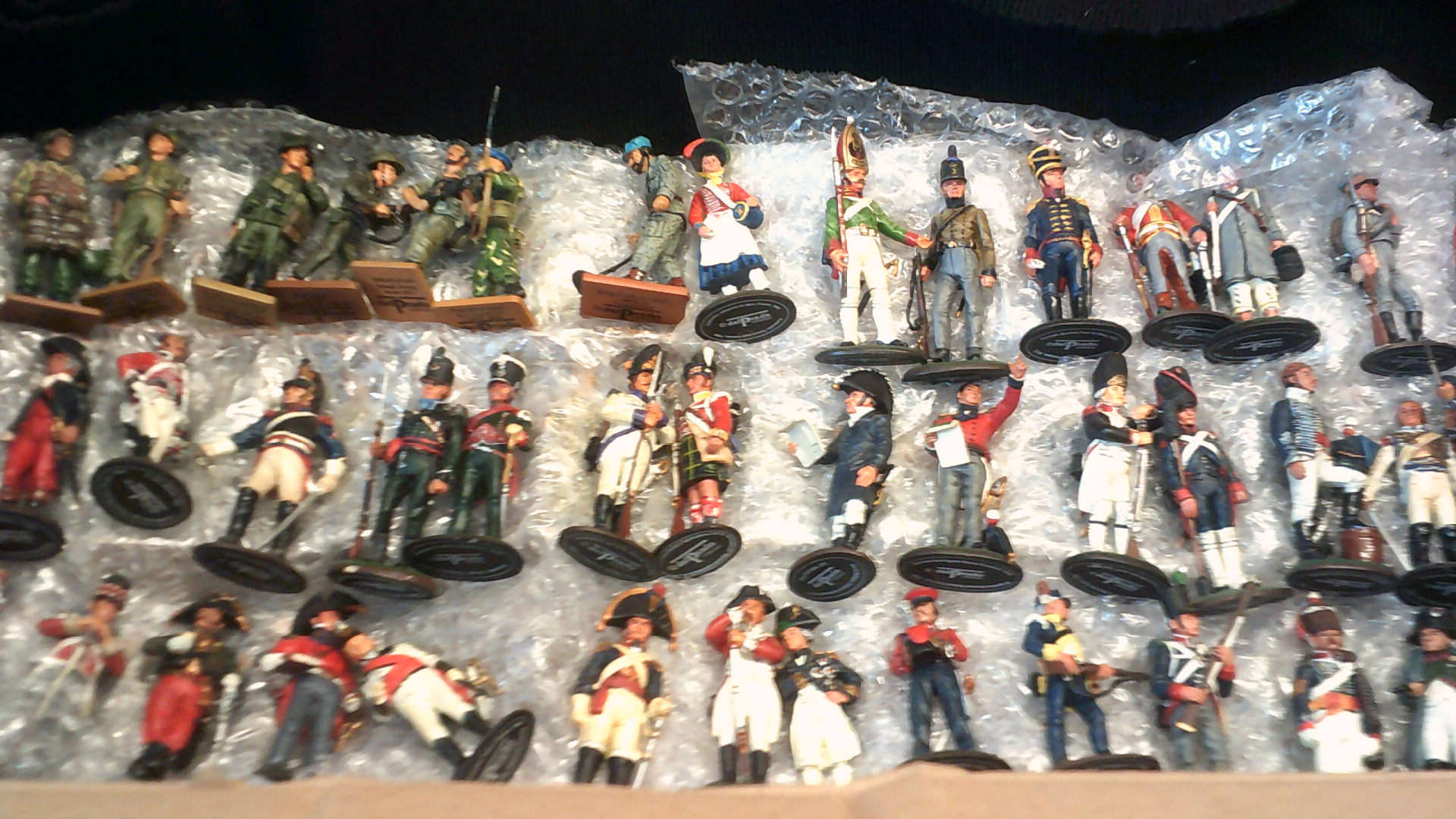 Lot 400 - Del Prado Soldiers-unboxed (approx. 100)- excellent condition