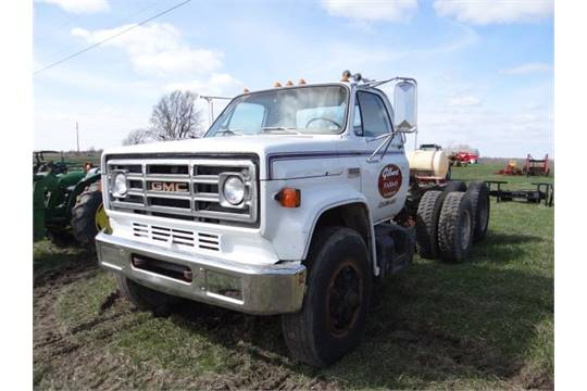 Lot 3282 1979 GMC 7000 Road Tractor 427 Gas, Air Brakes