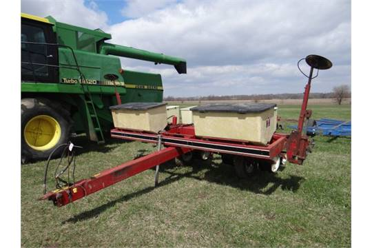 Lot 3134 Ih 800 Corn Planter 4 Row Narrow Plate Type