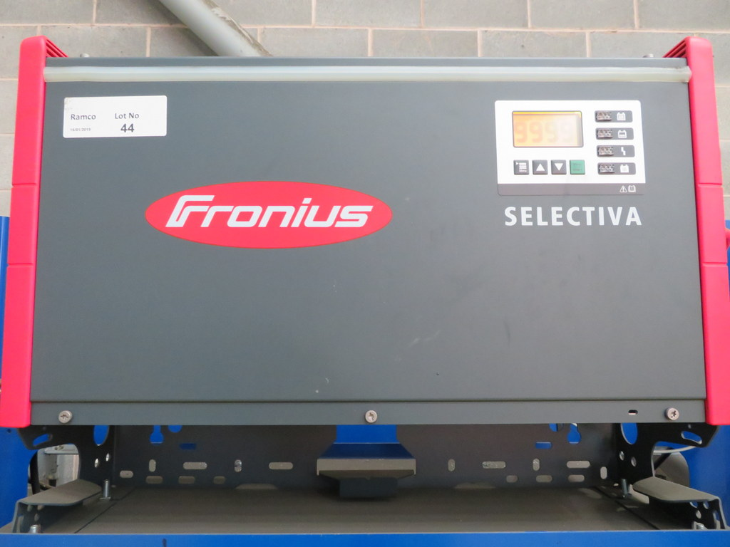 Lot 44 - FRONIUS SELECTIVA 4090 8KW - 48V BATTERY CHARGER; SERIAL NO 28166150