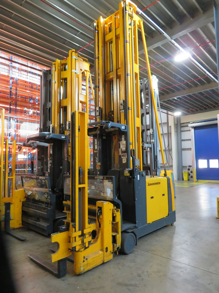Lot 19 - 2006 JUNGHEINRICH MODEL EKX 515 1500KG ELECTRIC HIGH RACK STACKER TRUCK
