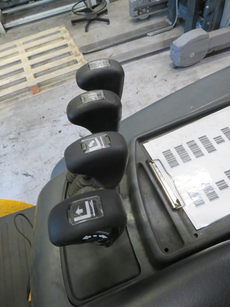 Lot 12 - 2006 JUNGHEINRICH MODEL TFG 430 GAS POWERED CB FORKLIFT TRUCK