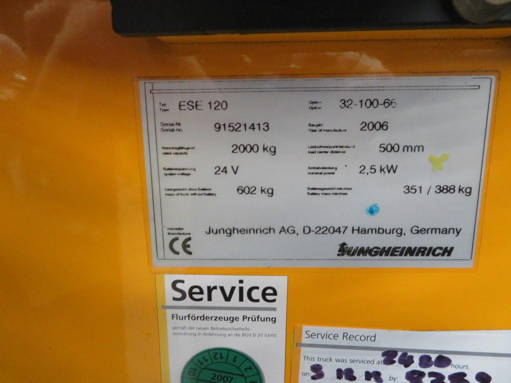 Lot 33 - 2006 JUNGHEINRICH MODEL ESE 120 2000KG RIDE-ON ELECTRIC PALLET TRUCK