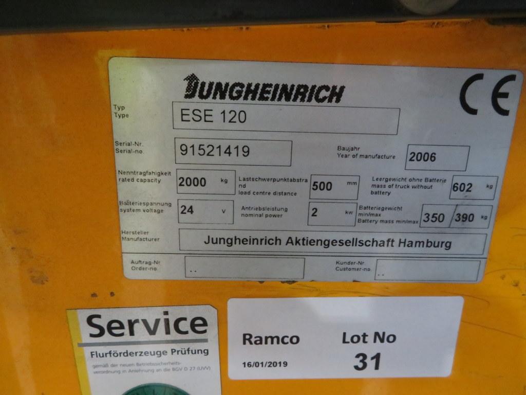 Lot 31 - 2006 JUNGHEINRICH MODEL ESE 120 2000KG RIDE-ON ELECTRIC PALLET TRUCK