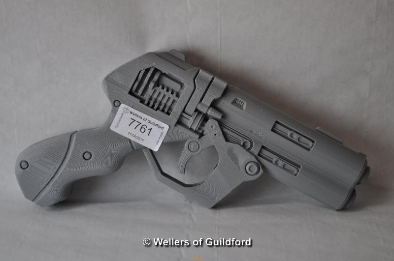 Lot 7761 - *Bladerunner 2049 - L.U.V Blaster 1:1 full scale 3D printed replica (Lot subject to VAT)