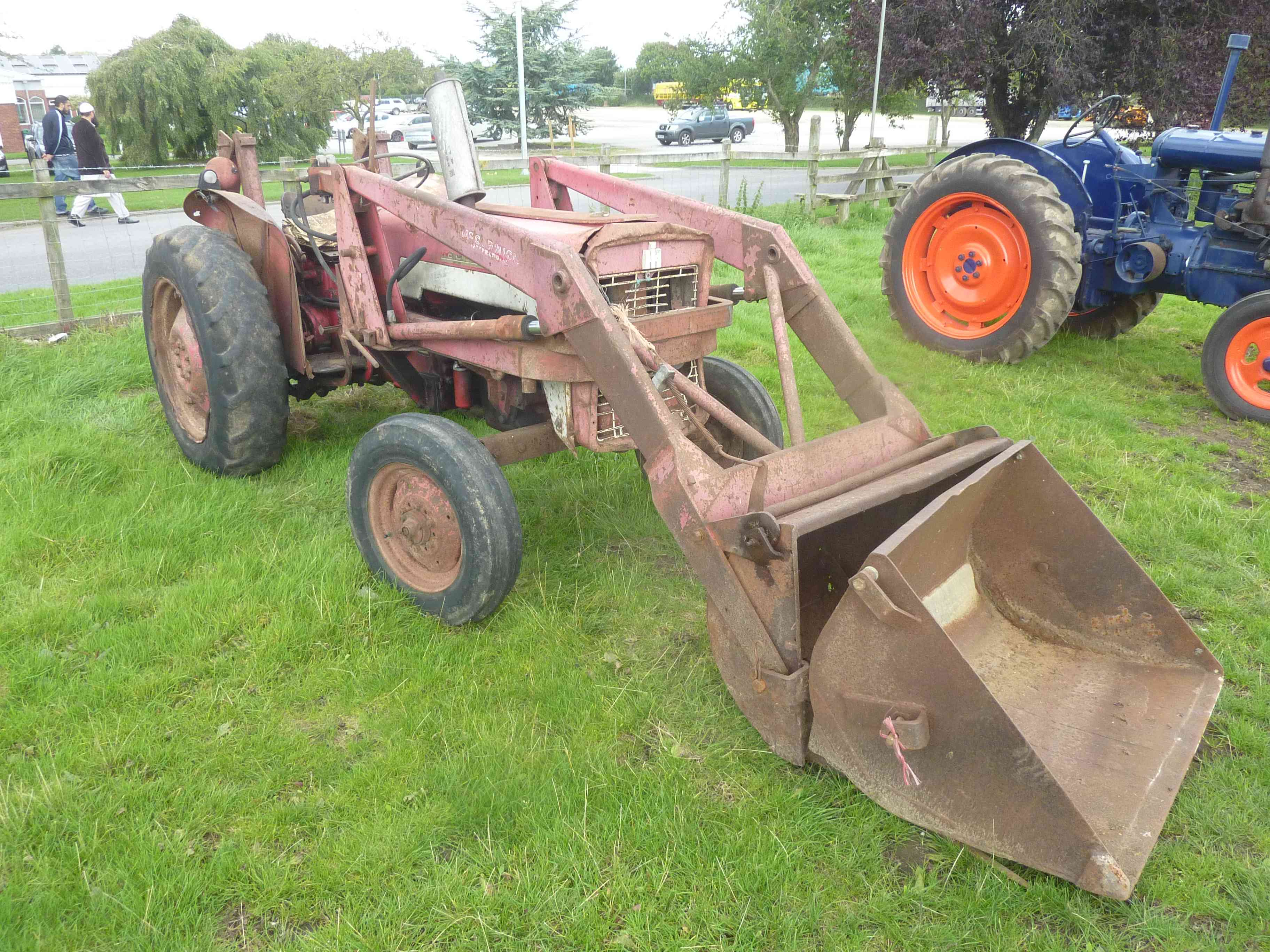Lot 4826 - 4826 McCormick International 434 tractor (1968) with loader,  muck fork