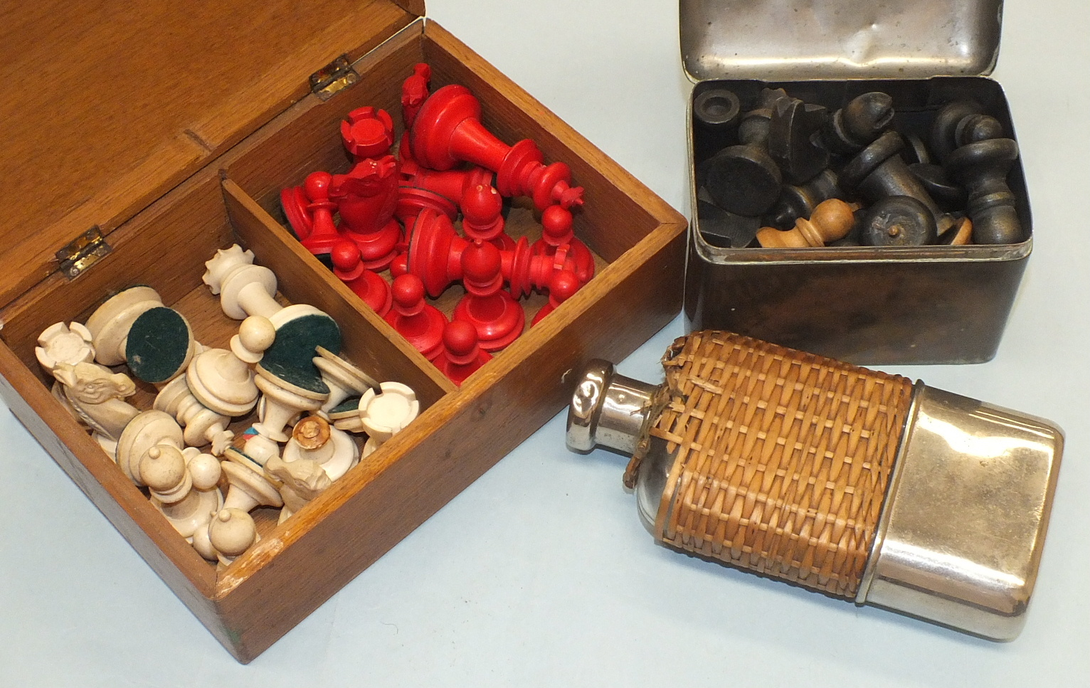 Lot 195 - A stained red and white chess set, (some pieces a/f), in wooden box, a stained black and white