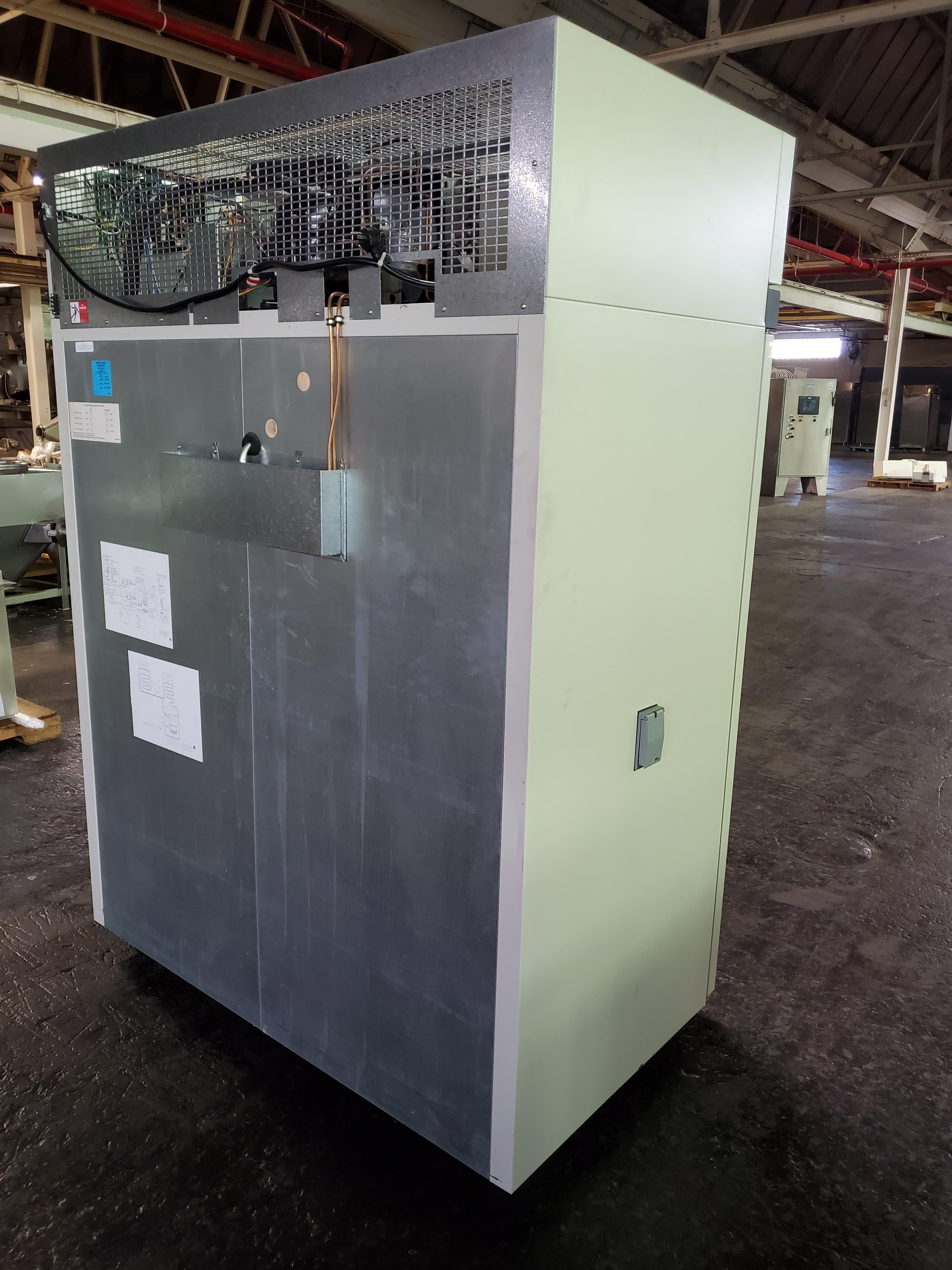"Revco/Thermo Electron Freezer, model REL5004A21, 53"" wide x 25""deep x 53"" high chamber, R134a - Image 3 of 7"