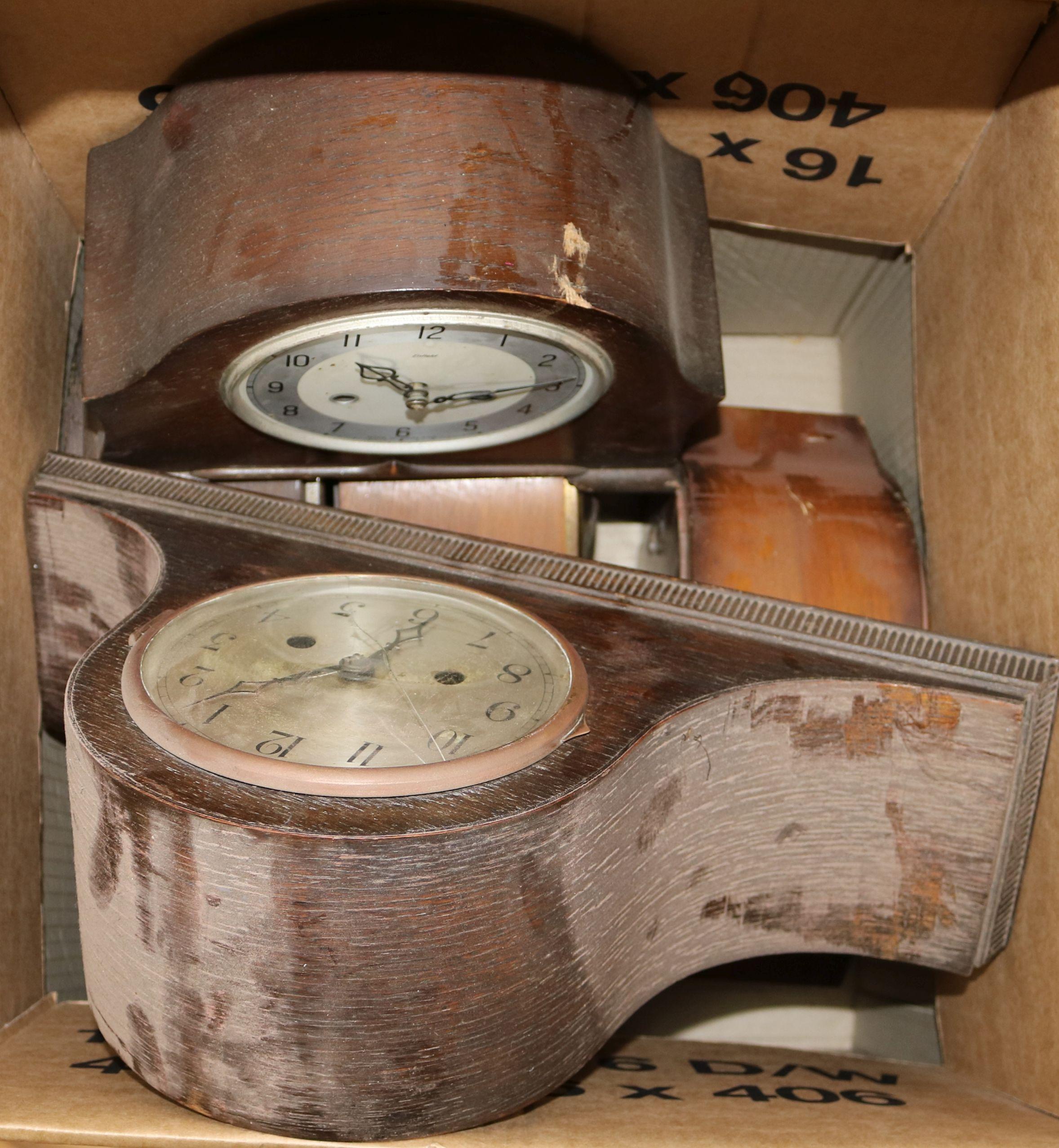 Lot 60 - A box of assorted mantel clocks