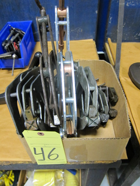 Lot 46 - LOT OF TWIST CLAMPS, KANT