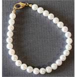 Perlenarmband einreihig Gold 333, NOS Zuchtperle mit weißem Lüster, Länge 19 cm, Durchmesser Perle 6
