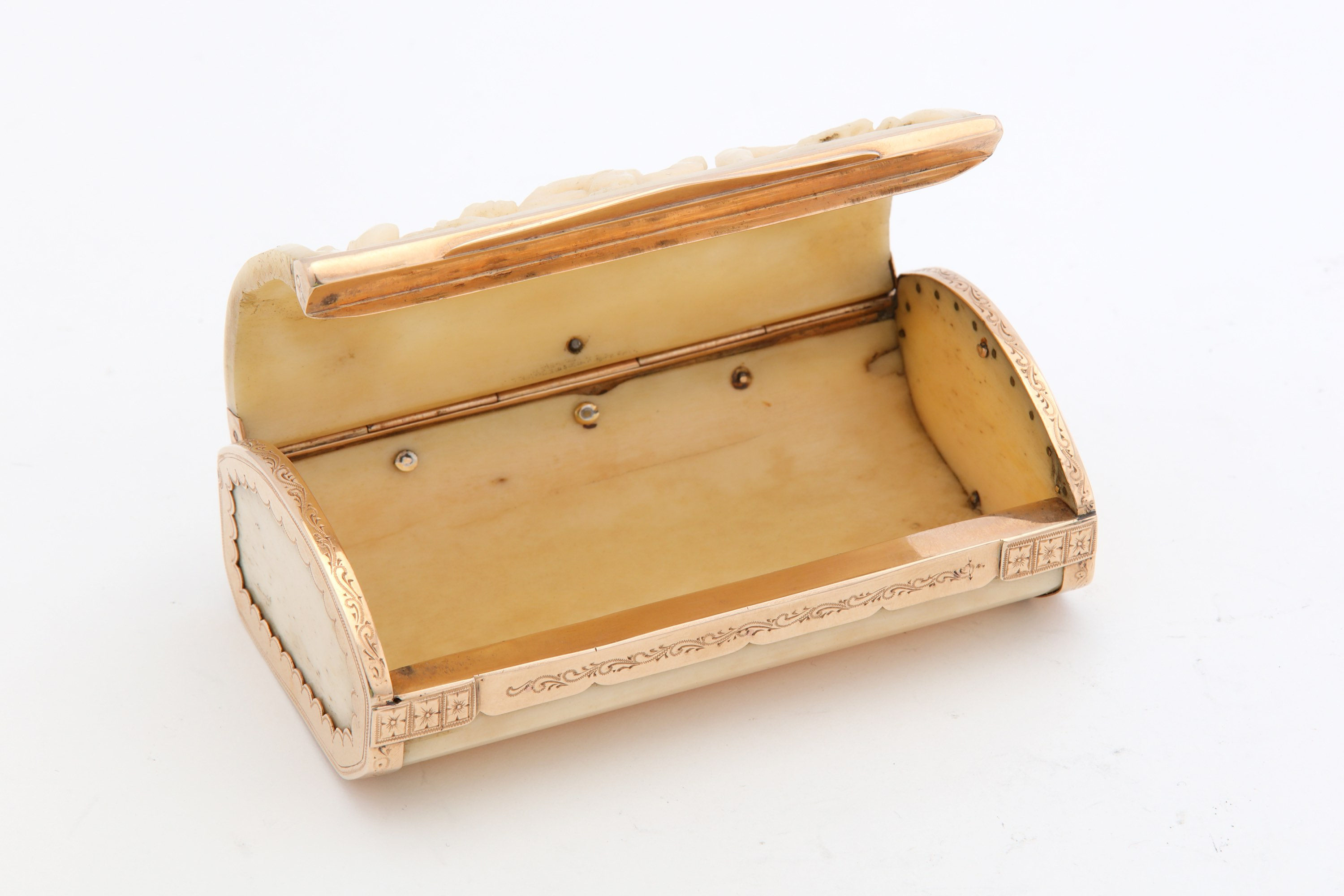 Lot 50 - A mid-18th century ivory and gold mounted snuff box, English circa 1740