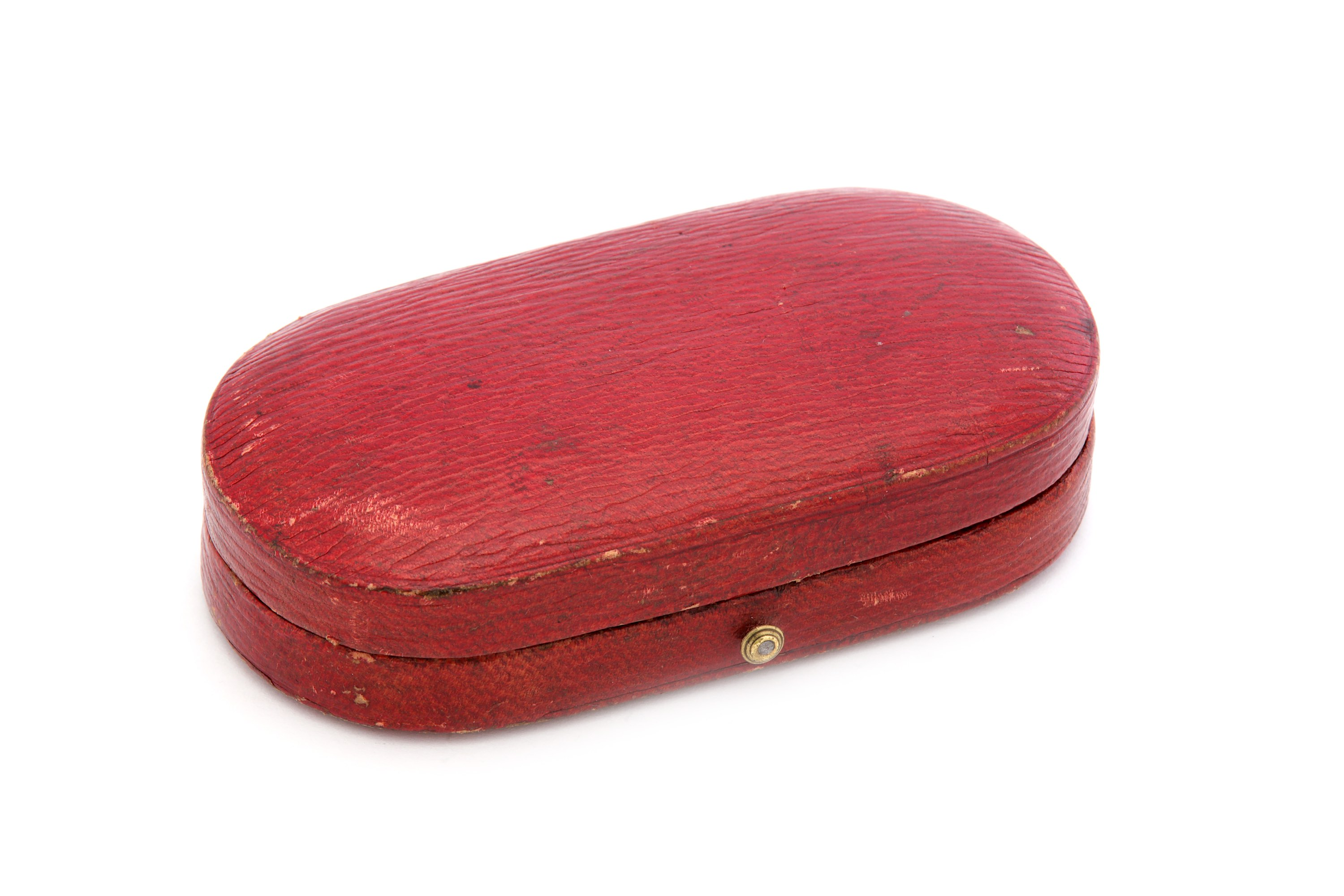 Lot 49 - An early 19th century English unmarked gold mounted ivory patch box circa 1800-1830