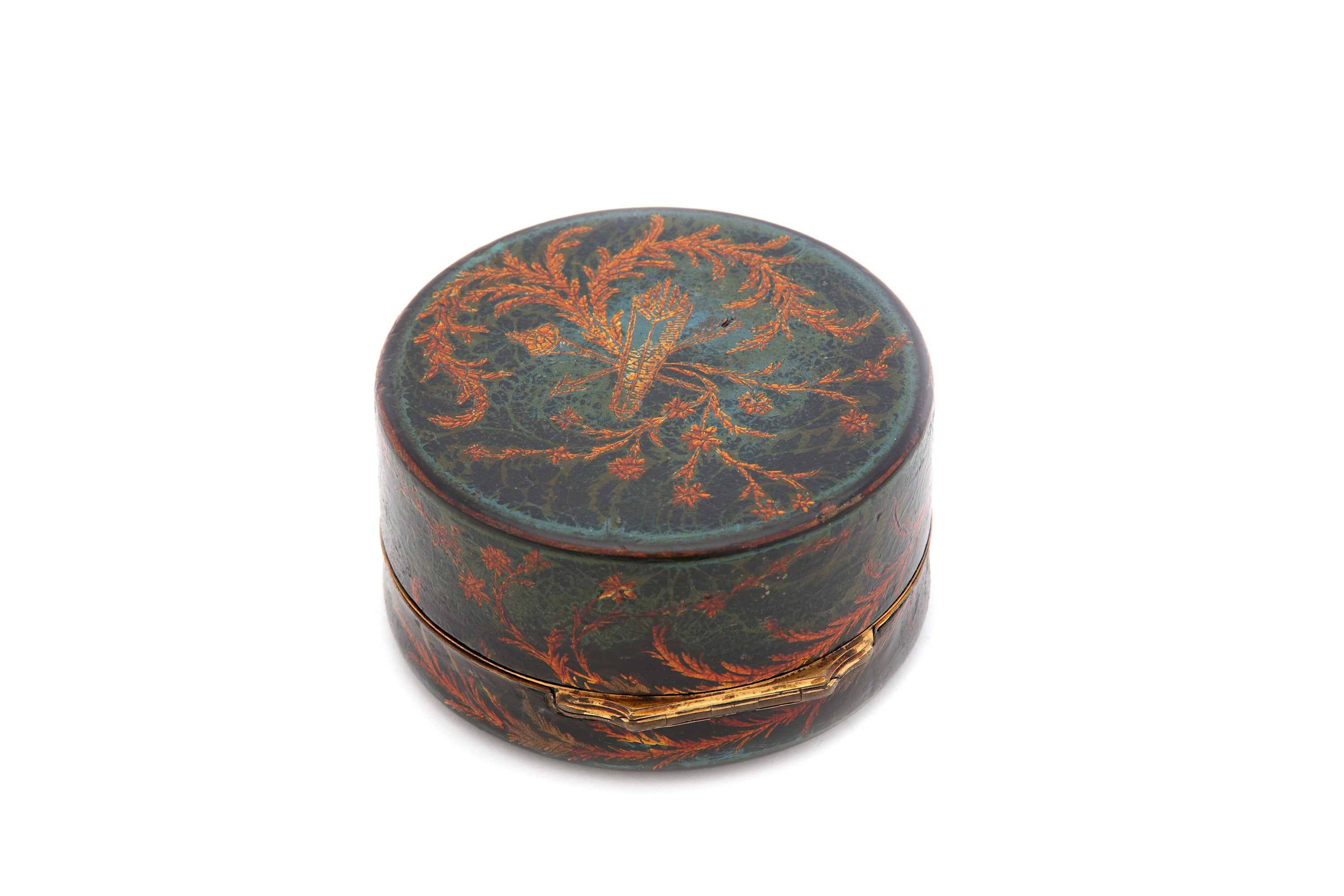 Lot 44 - A late 18th century French vernis martin snuff box