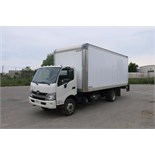 """HINO 195, 20', BOX TRUCK WITH POWER TAILGATE, BOX DIMENSIONS (20' LONG X 7'8"""" WIDE, 7'8"""" HIGH)"""