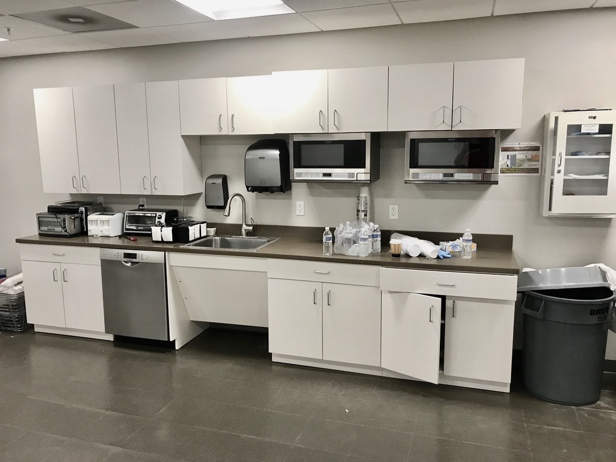 Lot 22 - Contents of Breakroom, excludes (1) microwave and dishwasher | Load Fee: $100