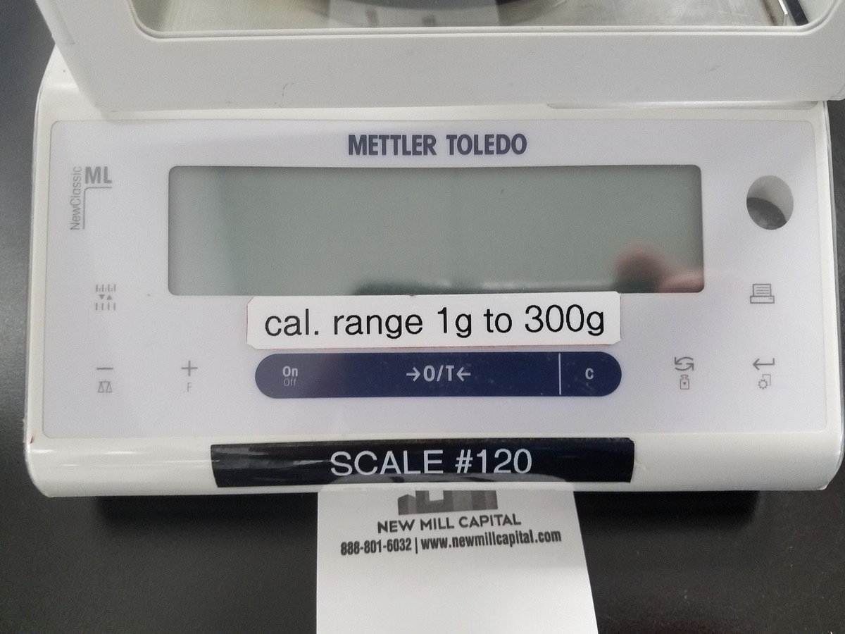 Lot 1 - Mettler Toledo Balance Scale, M# ML303E /03, S/N B137240591 | Load Fee: $50 or Buyer Hand Carry