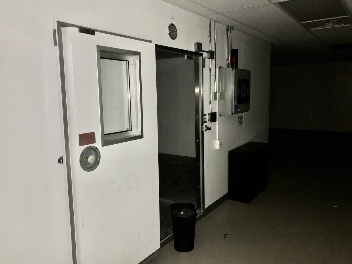 Lot 12 - Walk-in Temp Controlled Stability Room, Holds to Room Temp 70 deg +/- 5 deg | Load Fee: $1000