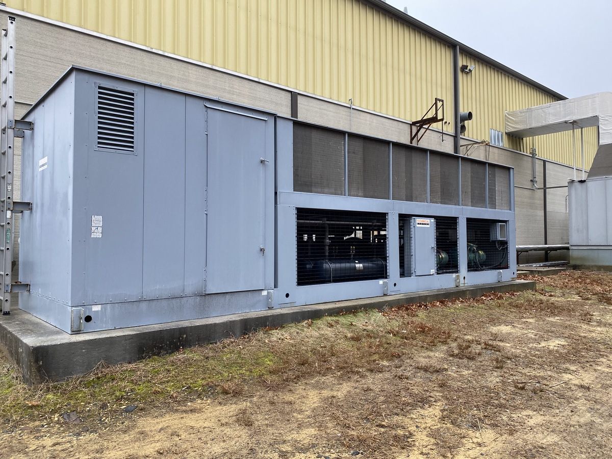 Lot 4 - Technical Systems Model 30AOSM200-SP Chiller | Load Fee: $1000