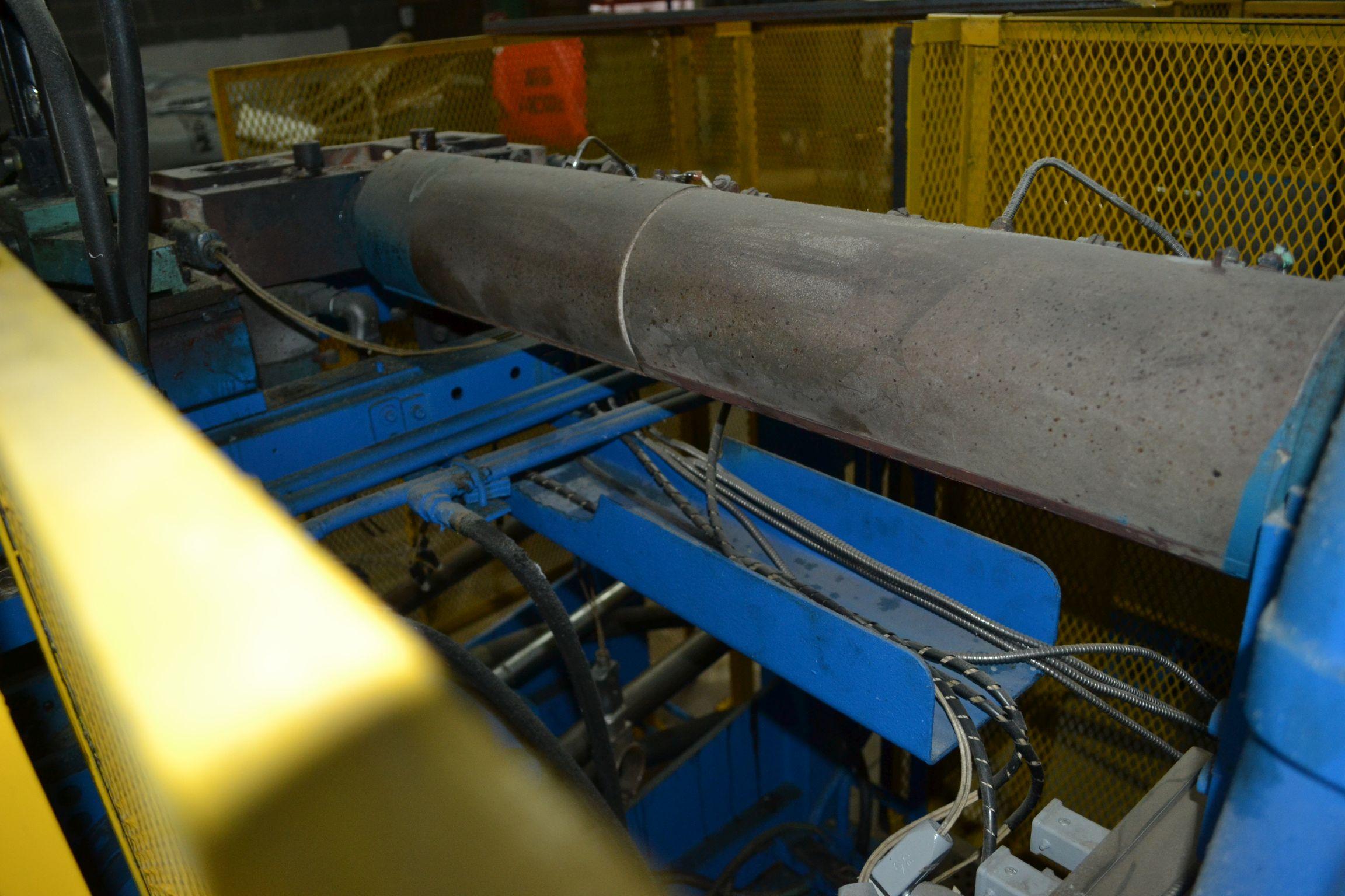 Lot 46 - Wylie-Fischer Extrusion Blow Molder