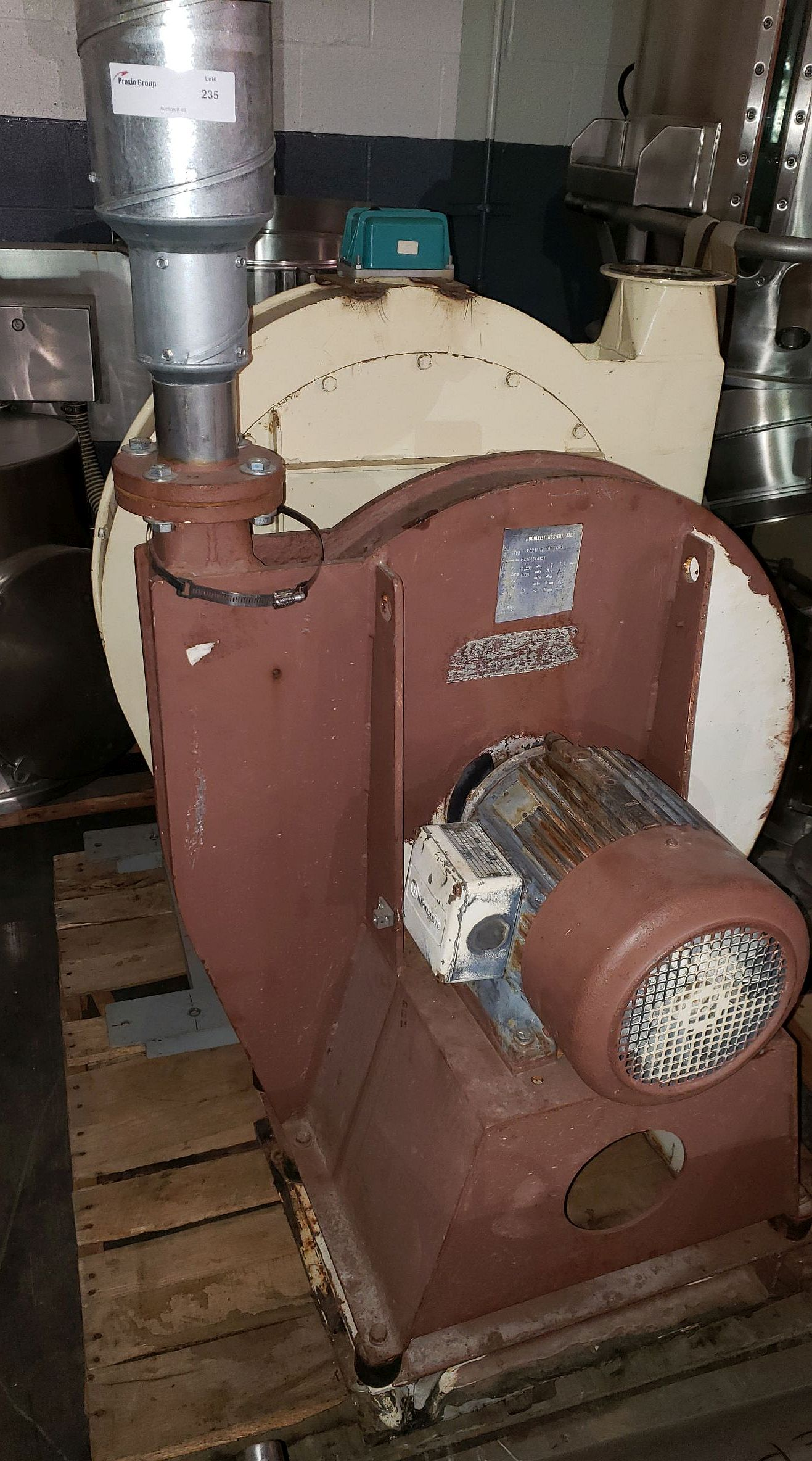 Lot 235 - Hochleistungsventilaor, 460 V, 3 phase blower, 5.5kW