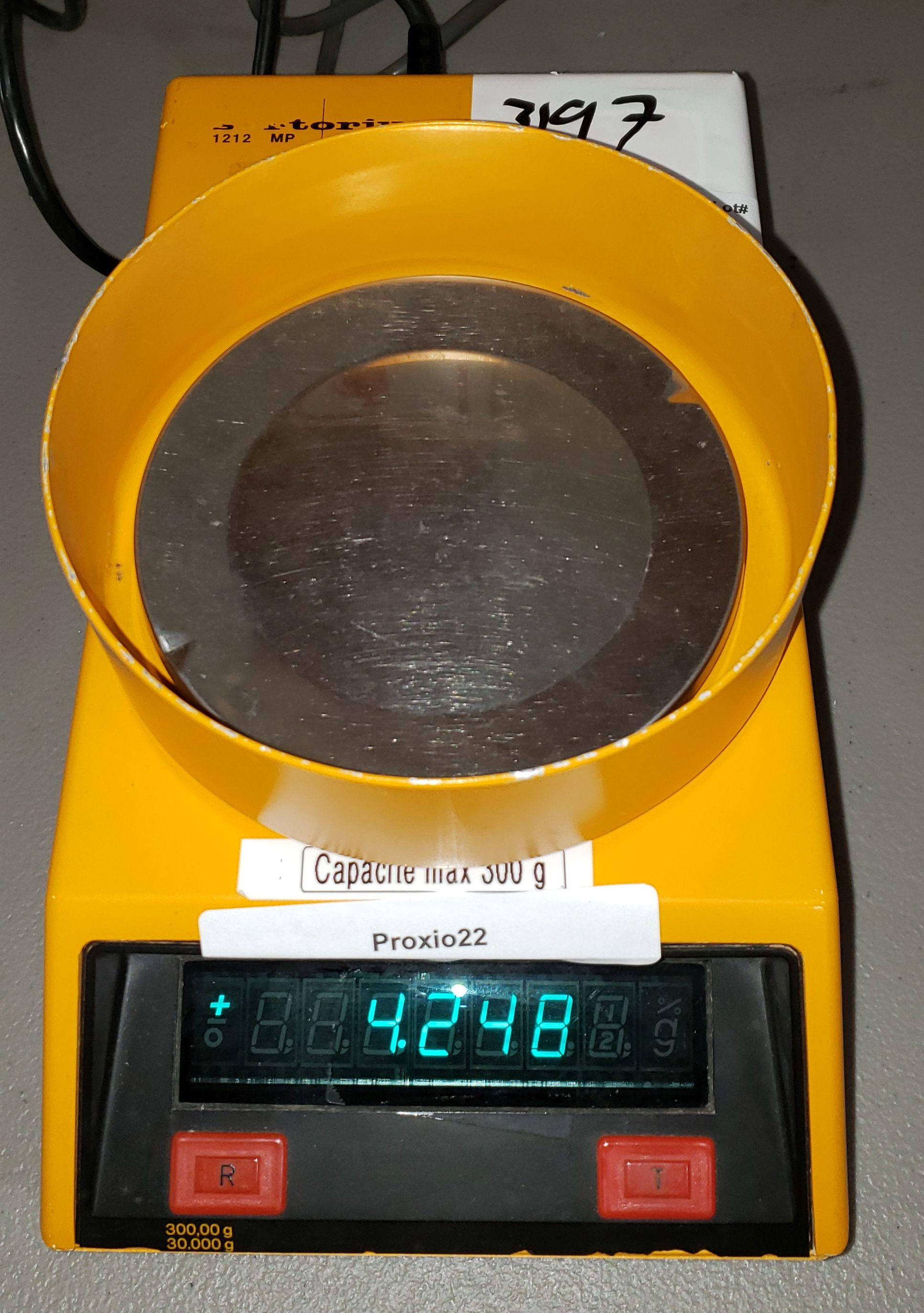 Lot 76 - Sartorious Scale, Yellow