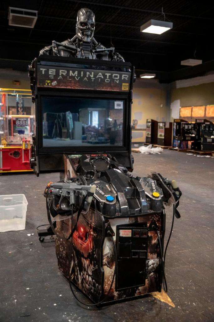 "Lot 141 - Raw Thrills Terminator Salvation 42"" - Functional . Used, shows commercial use. See pictures."