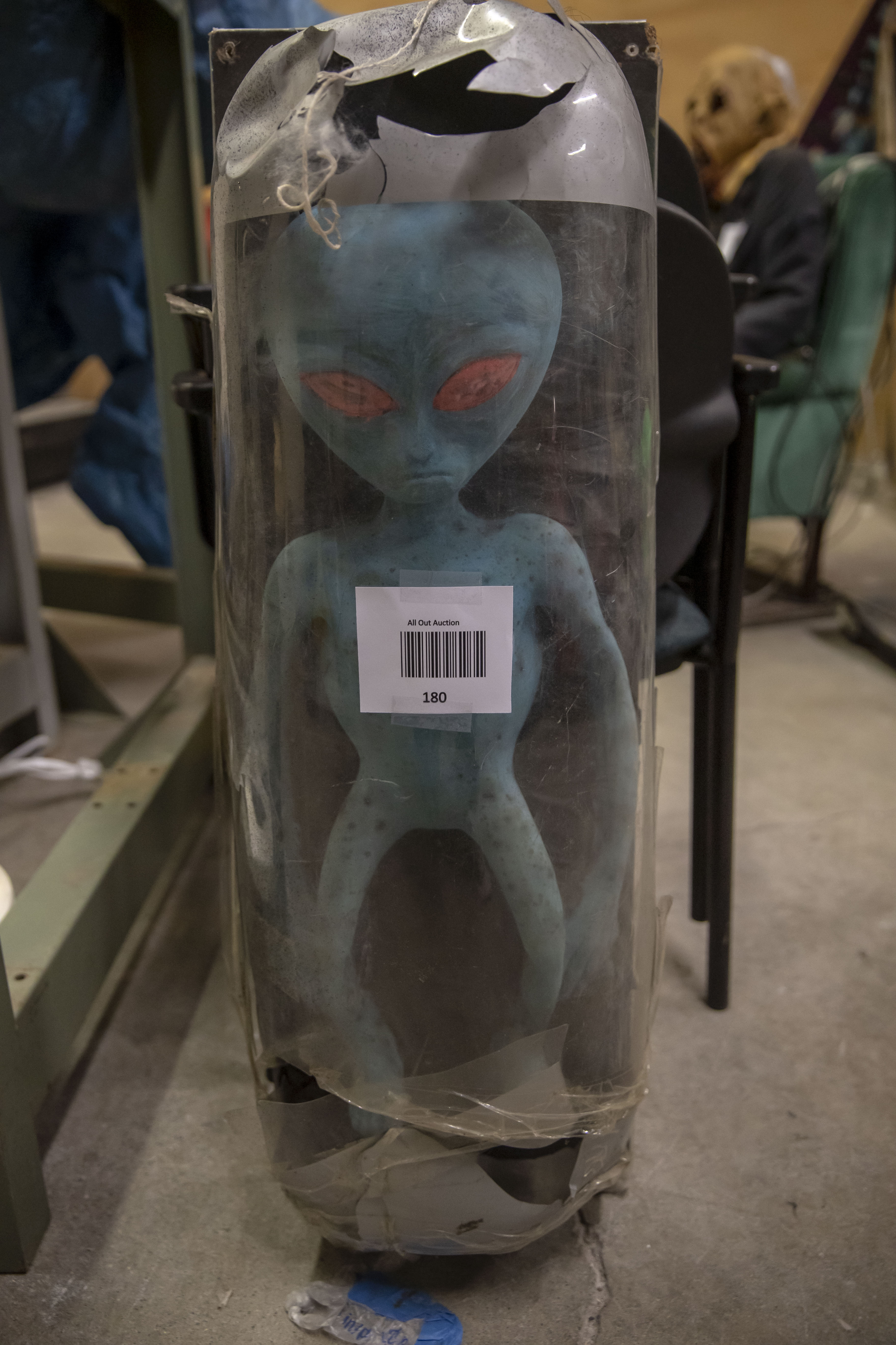 Lot 180 - Alien. Used, shows commercial use. See pictures.