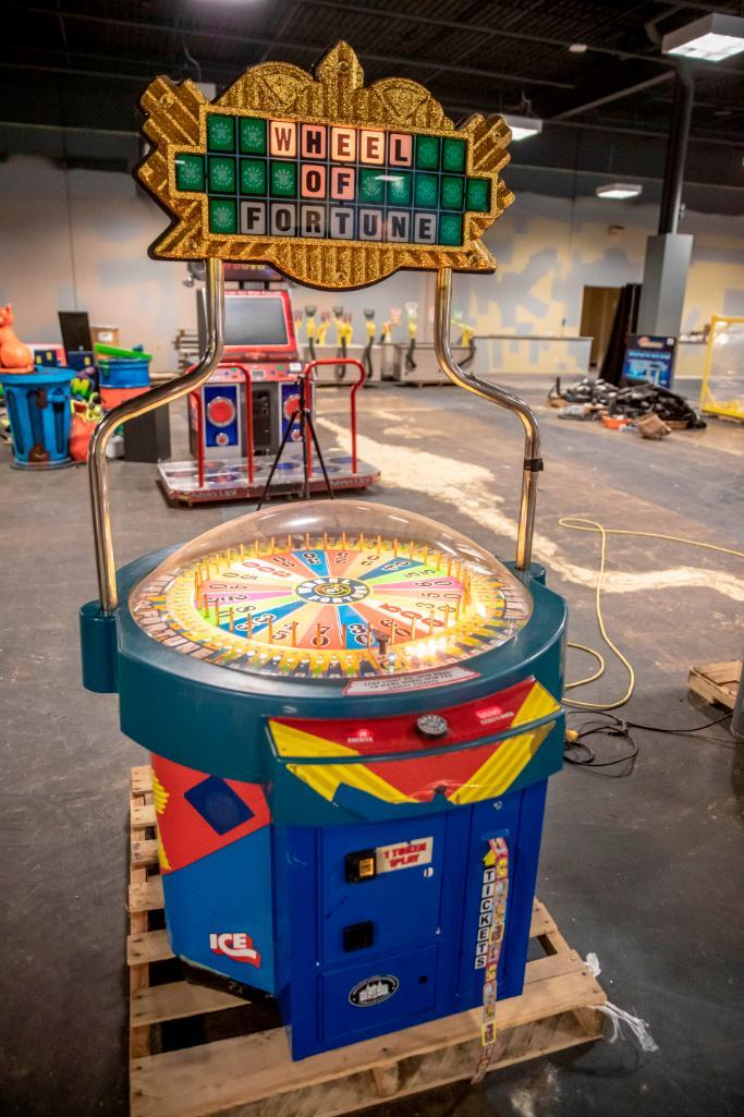 Lot 135 - Wheel of Fortune by Ice - Functional. Used, shows commercial use. See pictures.