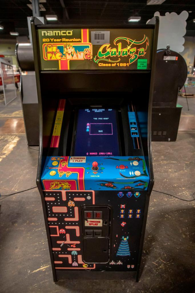 Lot 137 - Ms Pac-Man / Galaga - Functional. Used, shows commercial use. See pictures.