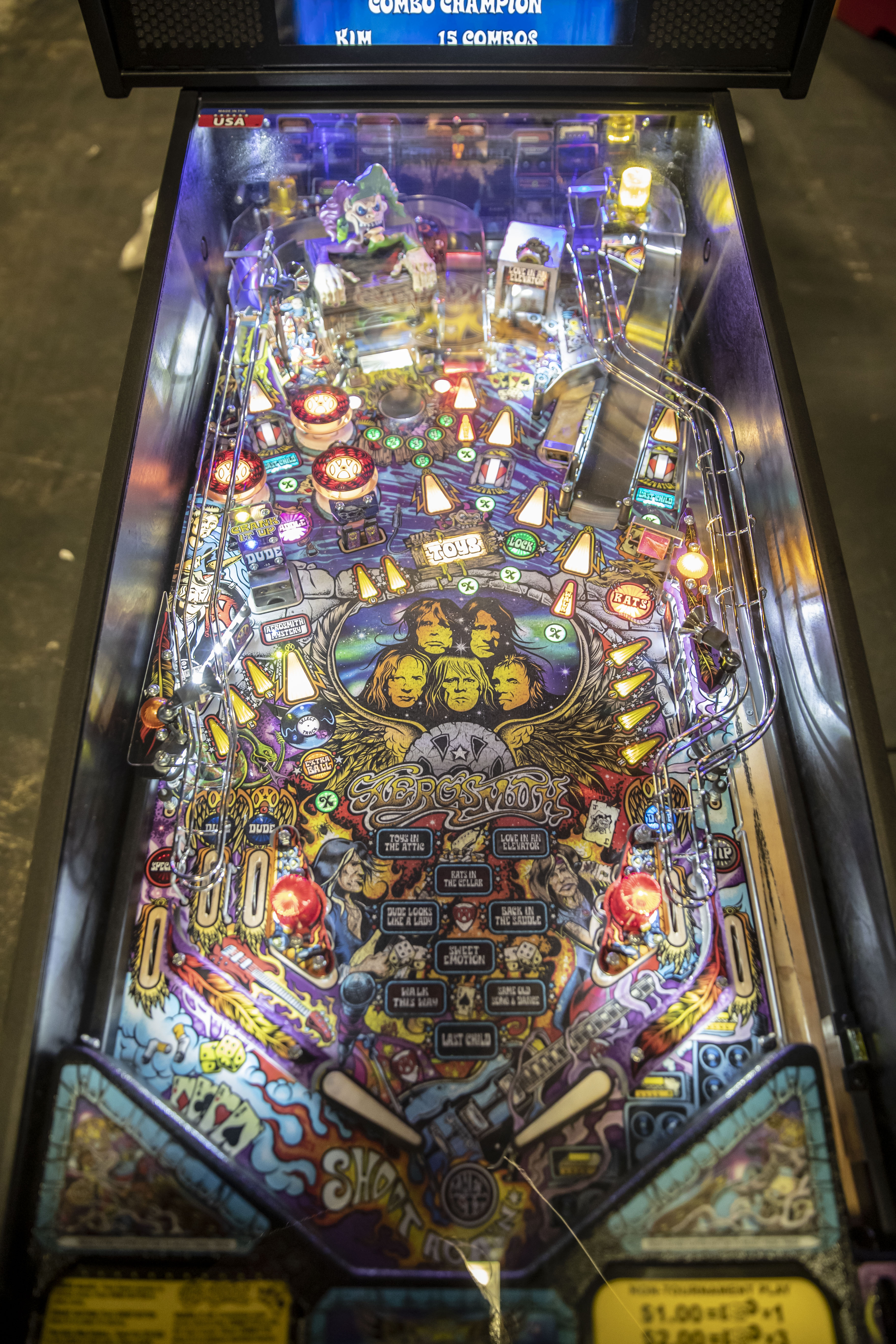 Lot 111 - Areosmith Pro pinball by Stern - Functional. Used, shows commercial use. See pictures.
