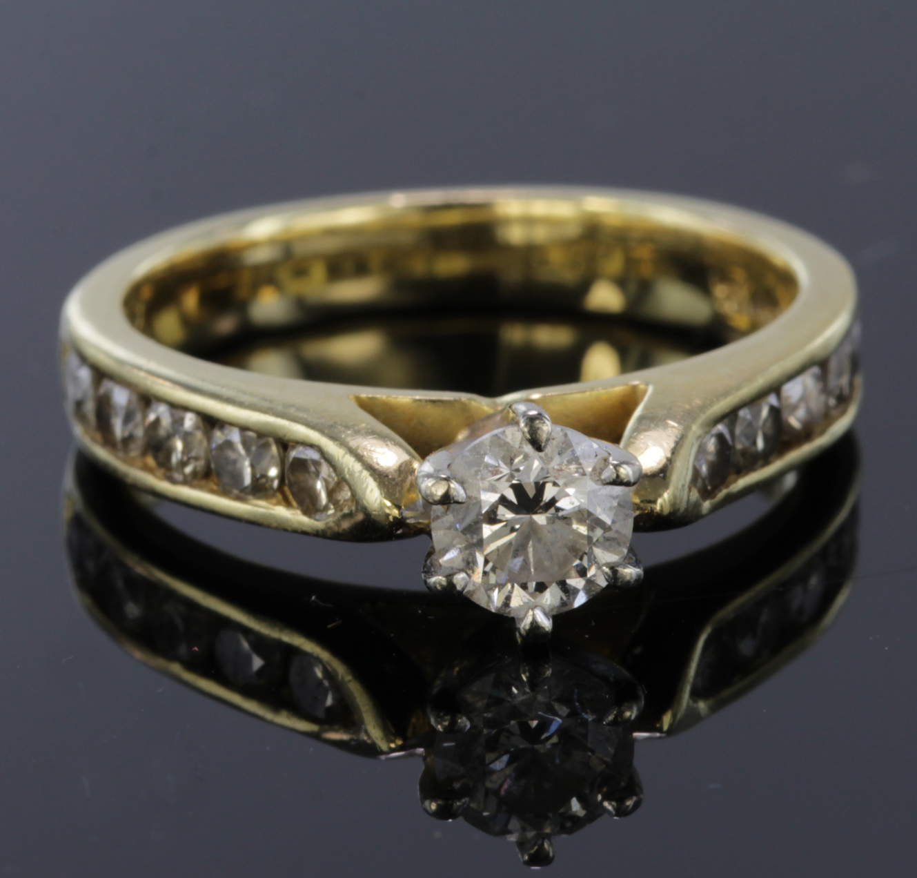 Lot 21 - 18ct Gold Diamond Ring Centre stone approx 0.50 ct with Diamond shoulders approx 1.0ct total