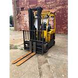 2013 HYSTER 8,000 LB CAPACITY ELECTRIC FORKLIFT MODEL E80XN