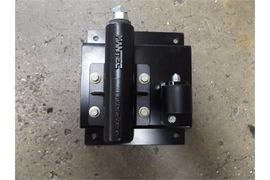 Lot 27245 - Land Rover Swing Out Spare Wheel Carrier Kit VPLDR0129