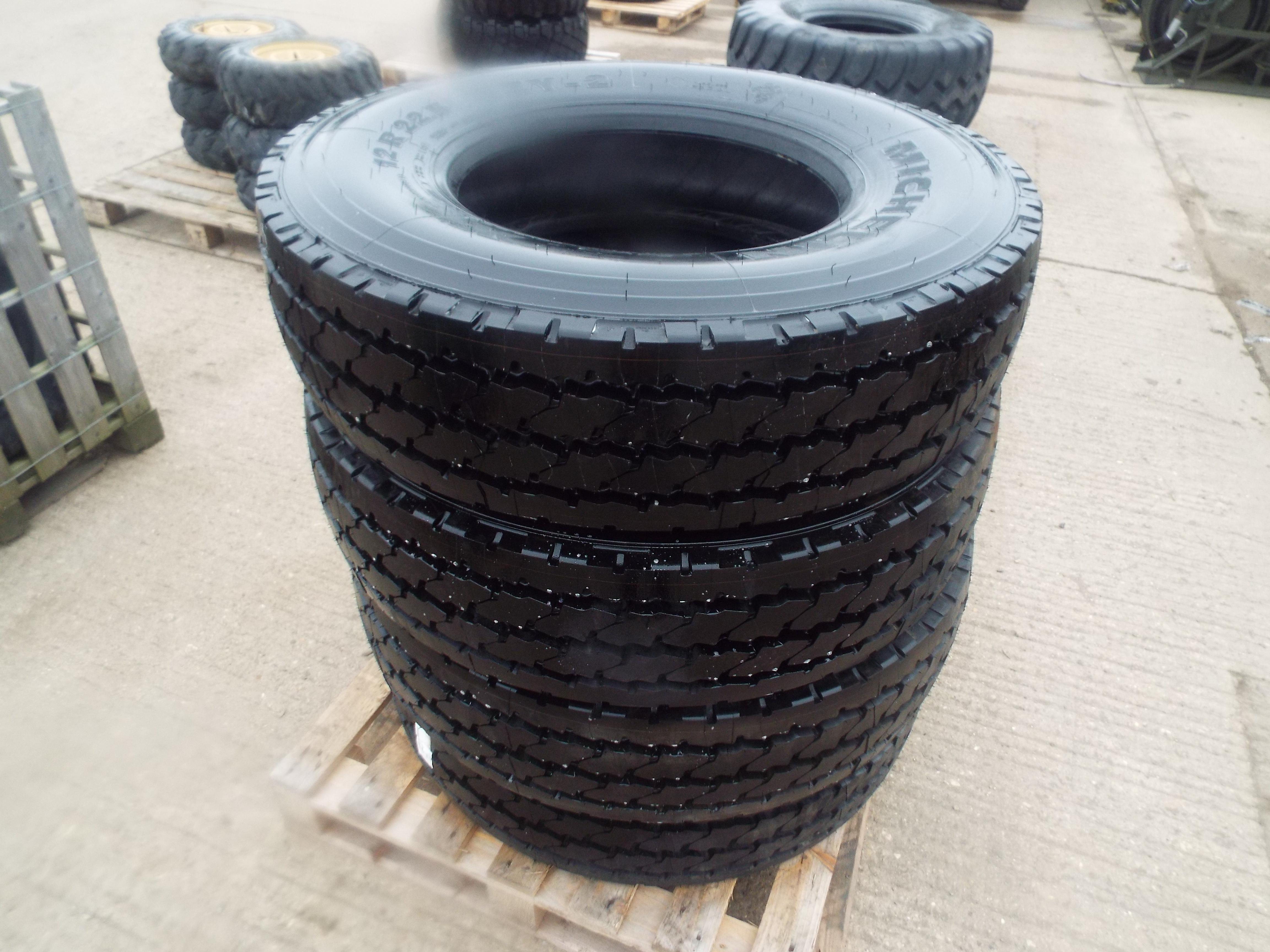 Lot 13611 - 4 x Michelin XZY-2 12.00 R22.5 Tyres